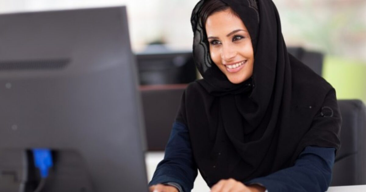 """middle eastern single women in coats Modern middle eastern women 5 (esposito, j 2005 98) the roots of the veil are far from the quran the word hijab is an islamic word that means """"barrier or protection"""" (british broadcasting network 2009) when looking at."""